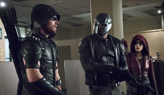 Explosions, Debates, Knife Fights and Terrific Tech in Our Arrow Episode 4.14 Recap.