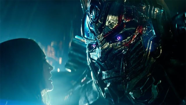 New Transformers Trailer Brings Explosions and Evil Optimus