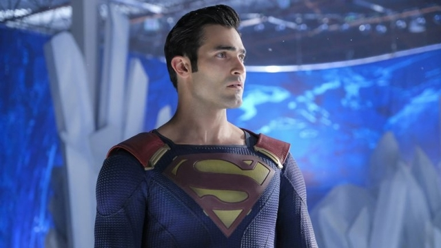 Clearer Elseworlds Images of Superman's Black Costume Create More Mysteries