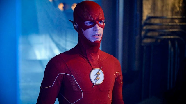 Flash meets two Supermen and Black Lighting in new Crisis photos
