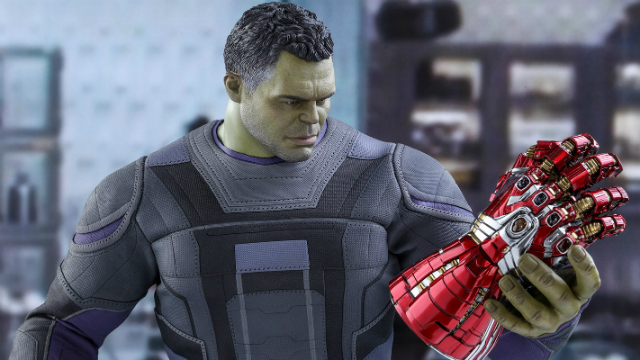 Professor Hulk Is Ready for His Hot Toys Close-up