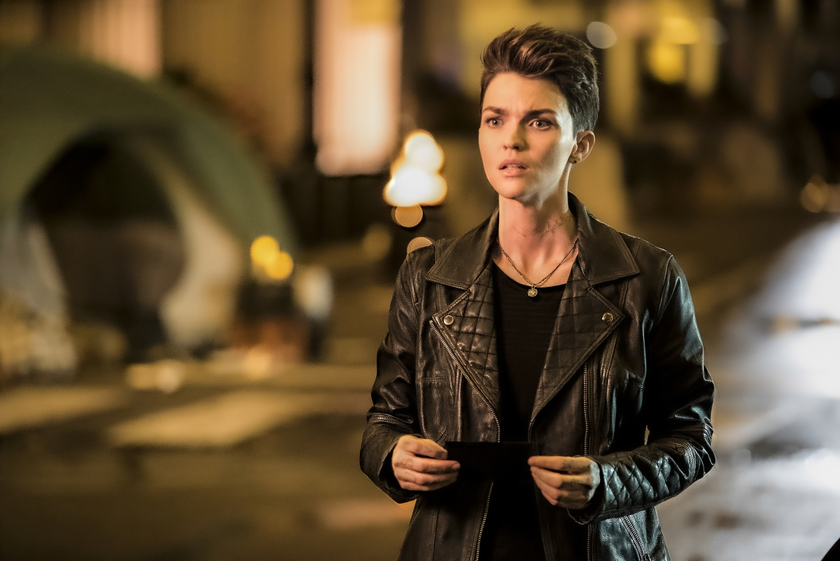"Batwoman --""The Rabbit Hole"" -- Image Number: BWN102d_0103.jpg -- Pictured: Ruby Rose as Kate Kane -- Photo: Jeffery Garland/The CW -- © 2019 The CW Network, LLC. All Rights Reserved."